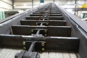 CDM Systems Reinforced Drop-Forged Chain and Chromium Carbide Wear Plate