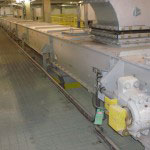 CDM Systems En-Masse Conveyor with Support Legs Installation